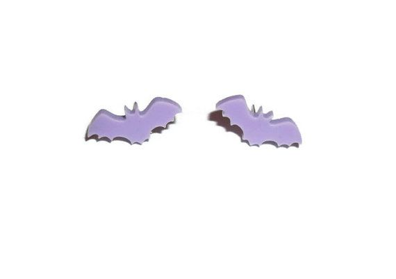 Pastell Fledermaus Ohrringe Lila Lavendel von KitschBitchJewellery