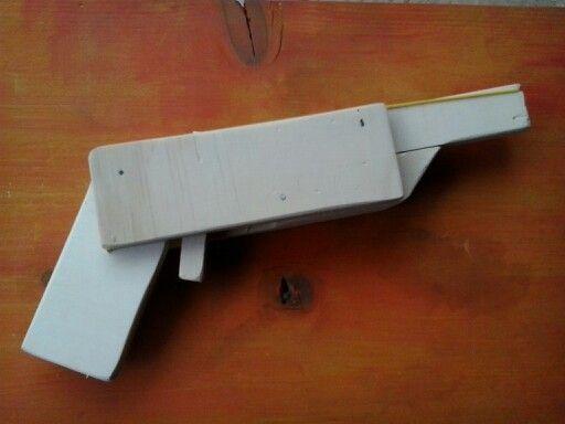 Pistola ad elastici
