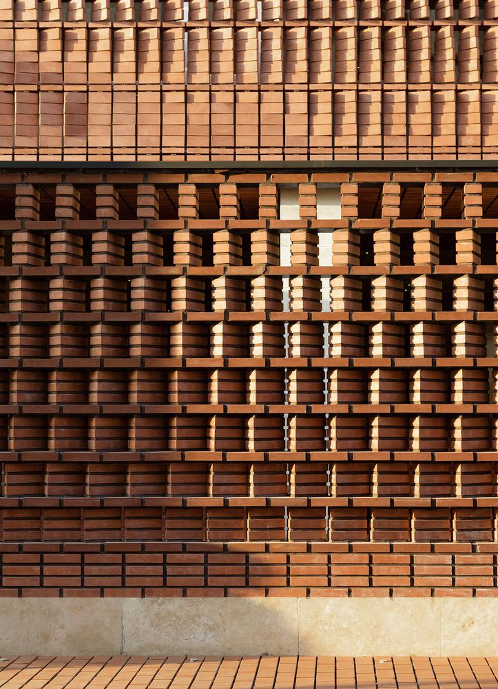 25 best ideas about brick design on pinterest brick for Exterior brick wall design ideas