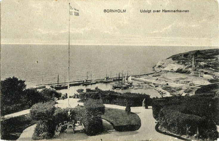 """I november 1914 udgav Bornholms Historiske Samfund Finn Pedersens fortælling om Blanchs Hotel i Bornholmske Samlinger. Om """"Christian IV"""" på Blanchs Hotel HER . Om at være hotelkarl på Blanchs..."""