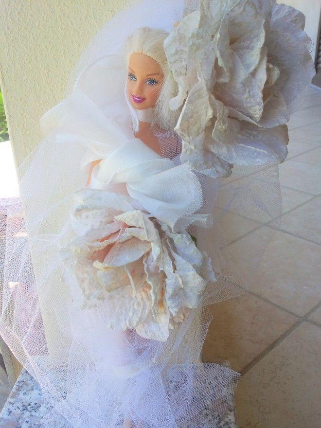 Barbie Ooak sposa dei fiori. Barbie Mattel originale con velo, raso e fiori in tessuto