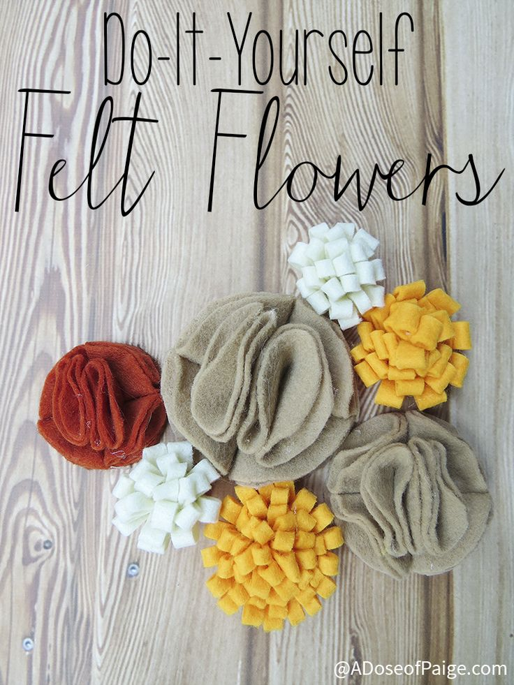 These felt flowers are so simple to make! Why didn't I think of this sooner?! #diy #flowers #decor #tutorial