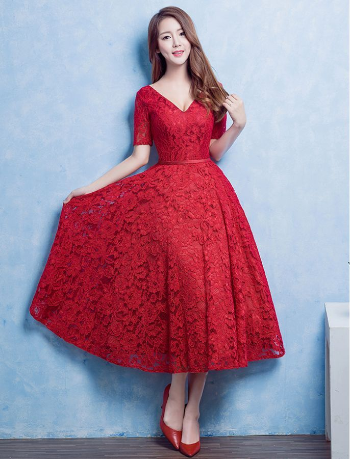 Audrey Hepburn Inspired 1950s Style V Neck Lace Prom Dress
