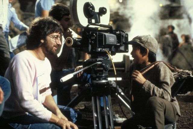 Steven Spielberg and Jonathan Ke Quan in Indiana Jones and the Temple of Doom (1984)