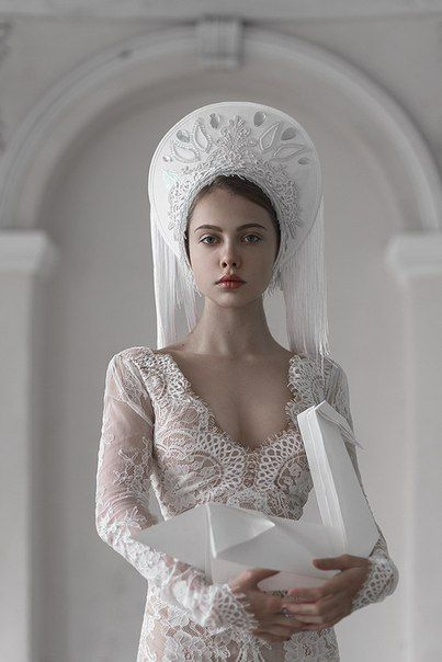 I absolutely love this bridal kokoshnik and veil. It adds an air of nobility to the ceremony.   Winter wedding isea