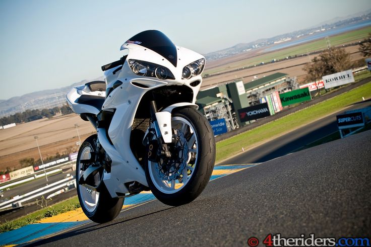Toe's 2005 Pearl White R1 - Yamaha R1 Forum: YZF-R1 Forums