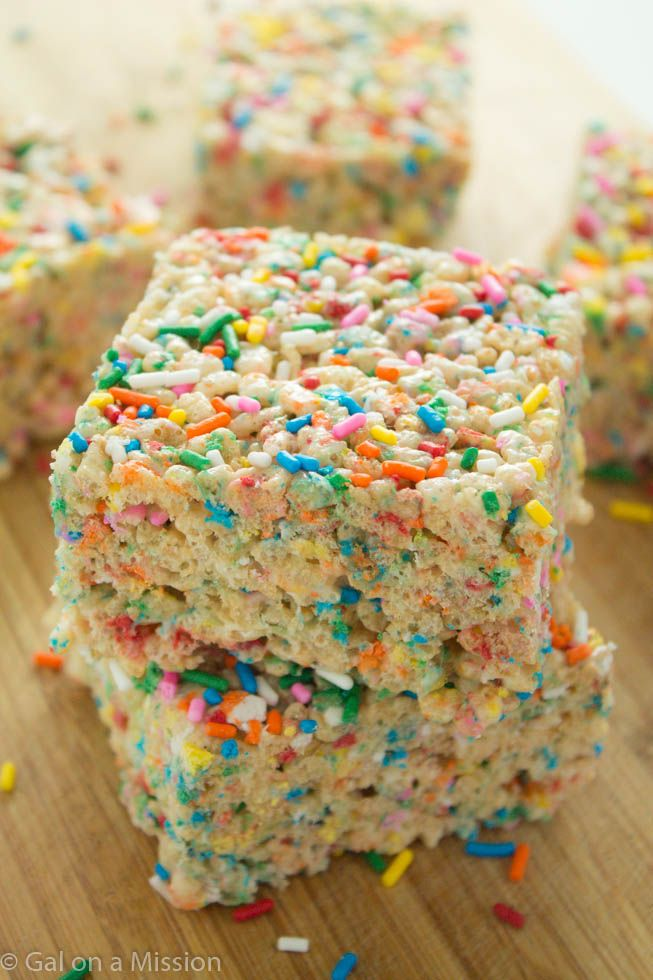 A delicious and basic rice krispy treat recipe that is jam-packed with colorful, funfetti sprinkles. Having one of these will definitely brighten up your day.