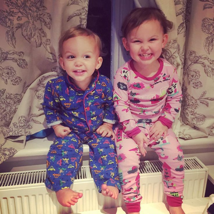 """We like to do a stage show with the curtains before bed! #sacconejolys"""