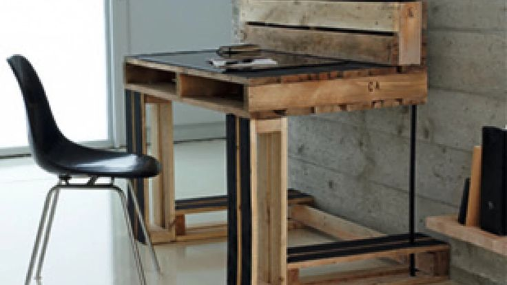 Schreibtisch aus Paletten