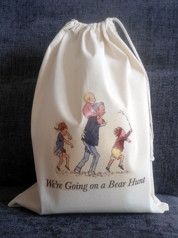 WE'RE GOING ON A BEAR HUNT Story Sack & Teaching Resources, £18.99