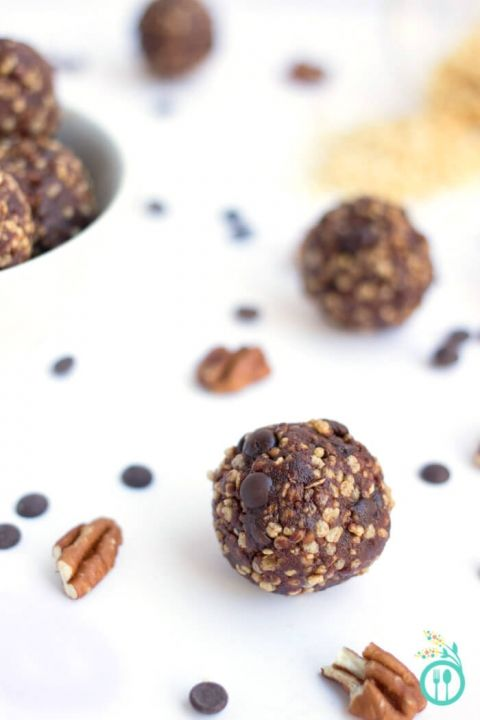 turtle-cookie-quinoa-energy-bites