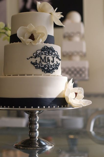 25 Best Ideas About Monogram Wedding Cakes On Pinterest Elegant Wedding Ca