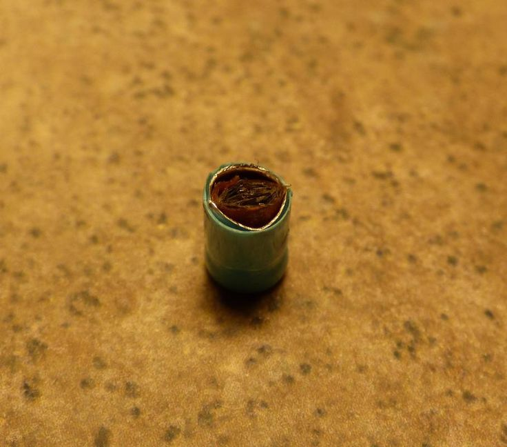 click for more http://earth66.com/macro/transverse-view-sliced-capacitor/