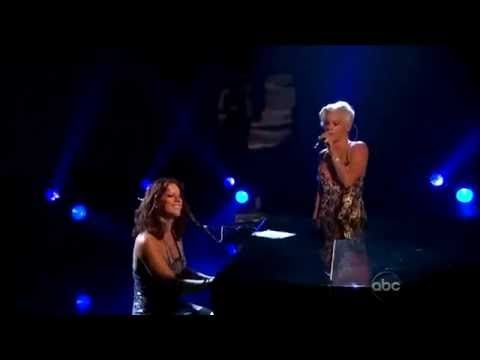 "Sarah McLachlan & Pink Sing ""In The Arms of The Angel"""