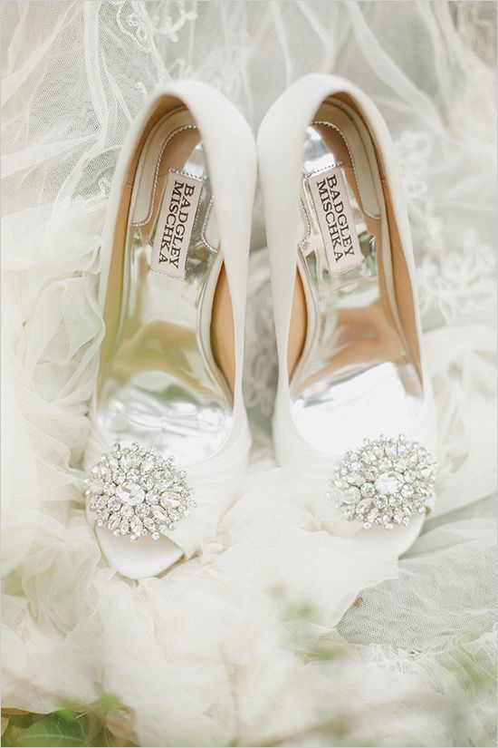 badgley mischka wedding heels @weddingchicks