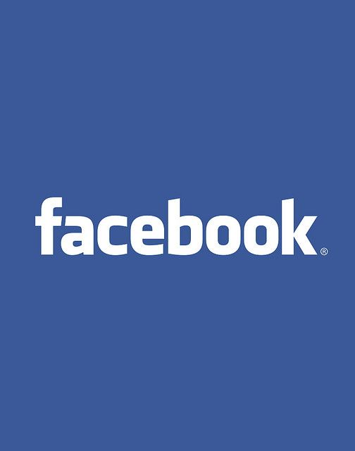 O Facebook, criado no dia 4 de fevereiro de 2004 por Mark Zuckerberg, Dustin Moskovitz e Chris Hughes, alunos da Universidade de Harvard, é uma rede social que desde o início tem o objetivo de configurar um espaço no qual as pessoas possam encontrar umas às outras, dividindo opiniões e fotografias.