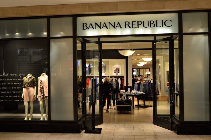 Banana Republic has about 642 stores around the world, which more than 500 stores are located in the United States, 61 in North American and 40 stores in Canada.