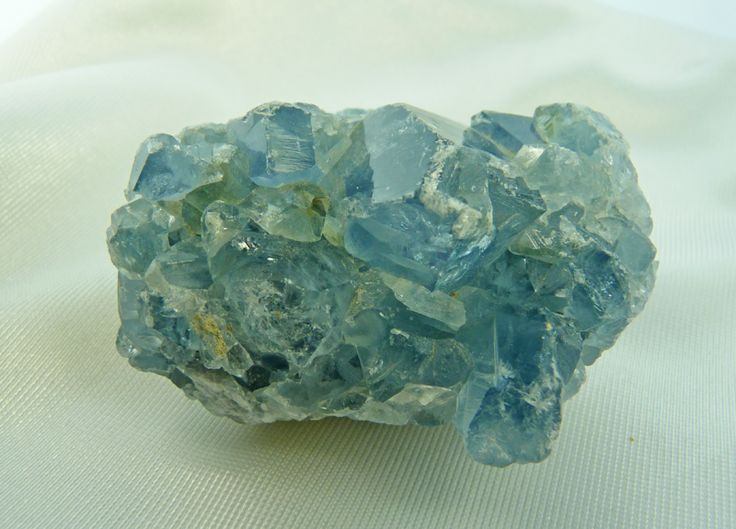 MADAGASCAR CELESTITE LOOSE STONE   Madagascar's Blue-gray Celestite comes primarily in clusters. Celestite offers a gentle, uplifting energy which can raise and expand one's awareness and is excellent for your emotional state as it is calming and aids mental clarity as it clears and sharpens mental faculties.  Weight: 425 grams Length: 3 1/2 in Height: 2 in Width: 3 in