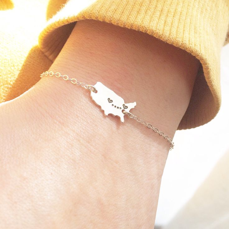 State Bracelet / UNITED STATES Map with Hearts/ State to State Bracelet/ Long Distance Love Bracelet