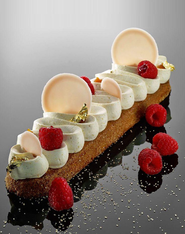 Biscuit amande, crème au confit de pamplemousse et framboises  And I made a dollhouse miniature version of this! http://miniaturepatisseriechef.blogspot.sg/2016/03/dollhouse-miniature-dessert-creme-au.html