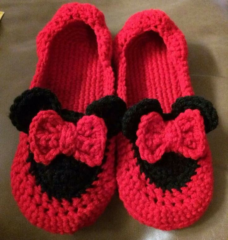 Free Crochet Pattern For Mickey Mouse Shoes : 17 Best images about crochet slippers on Pinterest Shoe ...