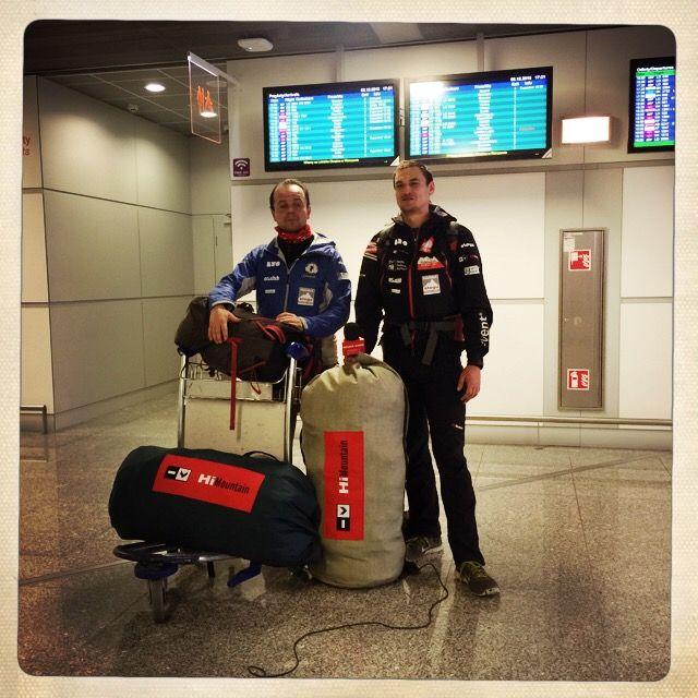 2 grudnia Adam Bielecki i Jacek Czech polecieli do Ameryki Południowej, gdzie w ramach aklimatyzacji wejdą na szczyt Ojos del Salado.