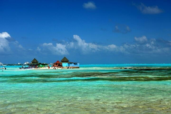 #island #bluesea#sanandresisland #colombia