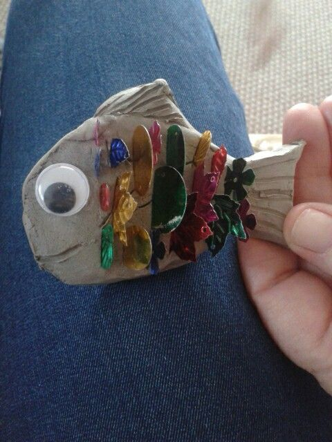 Rainbow fish activity using clay, sequins and googly eyes.