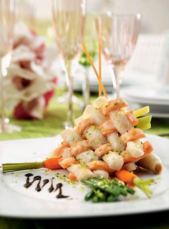 La Cigale Catering - Σολοµός και λαβράκι compose σε stick bamboo µε άρωµα µοσχολέµονου