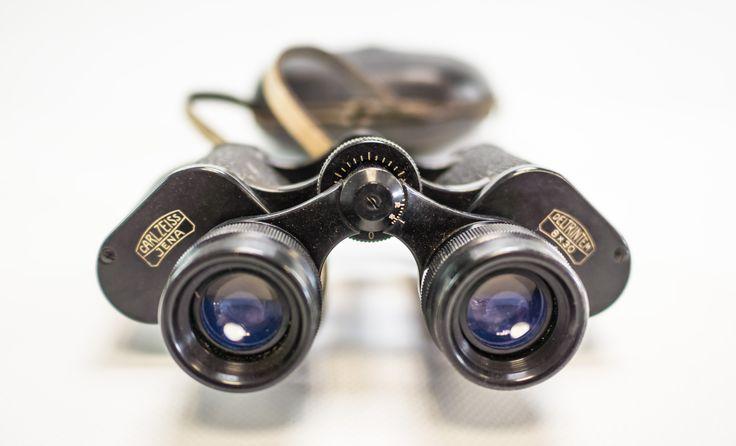 """DDR Museum - Museum: Objektdatenbank - """"Fernglas Carl Zeiss Jena"""" Copyright: DDR Museum, Berlin. Eine kommerzielle Nutzung des Bildes ist nicht erlaubt, but feel free to repin it!"""
