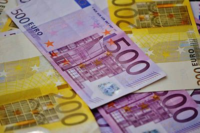 She just went shopping and lost probably all her savings. An 85-year-old from Gdansk had a lot of luck, because the bundle, in which she kept over 5,000 euro and 100 dollar, was found by an honest customer of a store. The man took the cash to the nearest police station. Everything happened last Monday. …