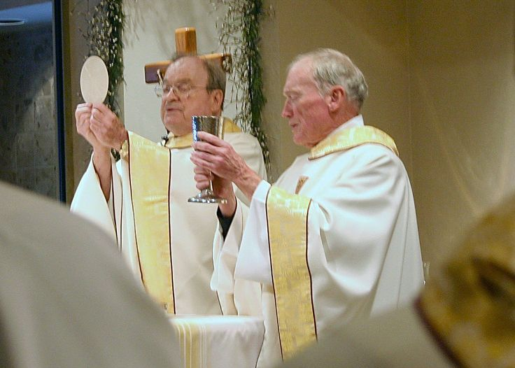 Paulist Fr. John Kenny, left, with his brother, Fr. Donald Kenny (who had been a priest of the Diocese of Joliet, IL) at Fr. John Kenny's Mass to celebrate the 50th anniversary of his ordination.