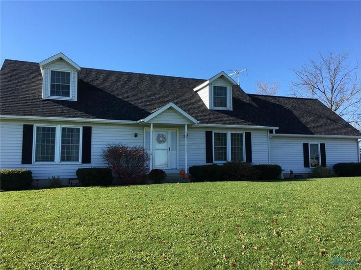 NICE 4 BEDROOM 3 BATH HOME ON A CRAWL SPACE. 2 CAR ATTACHED GARAGE FOR EXTRA STORAGE. NEWER WINDOWS, ROOF, FLOORING AND MORE. THIS HOME IS MOVE-IN READY. GREAT PRIVATE COUNTRY LOCATION WITH 1.94 ACRES. TAKE A GOOD LOOK. SET YOUR APPOINTMENT UP TODAY in Edon OH