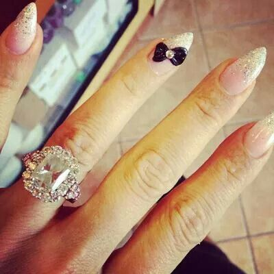 The 14 Best Celebrity Engagement Ring Selfies