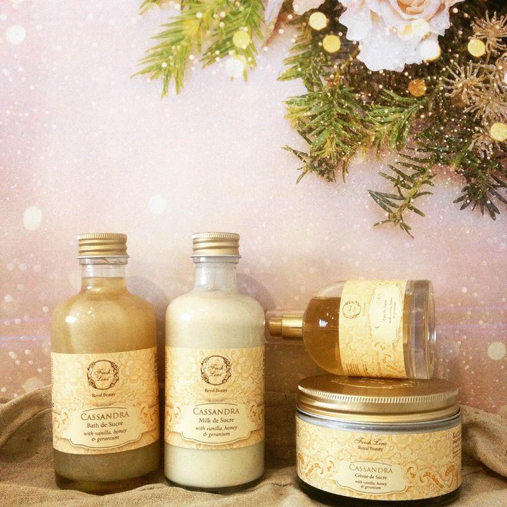 Ψάχνετε κάτι μοναδικά λαμπερό αυτά τα Χριστούγεννα..; #Cassandra #golden_magic Αισθησιασμός και γλυκύτητα συνδυάζονται τέλεια και το αποτέλεσμα θα ενθουσιάσει εσάς και όσους βρεθούν κοντά σας… #FreshLine #RoyalBeauty #xmas2016 #Gold #sensual #sweet #sandalwood #vanilla #honey #unique
