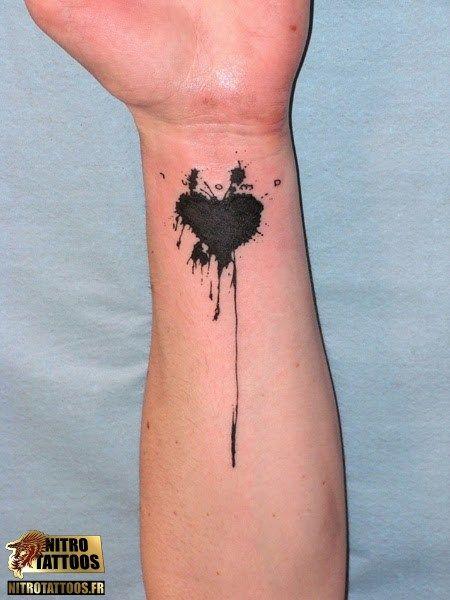 tatouage coeur simple
