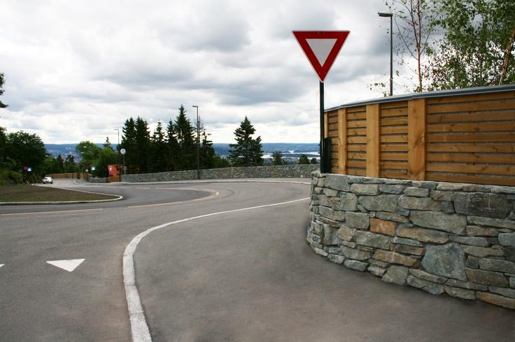 Holmenkollveien. #Holmenkollen Oslo