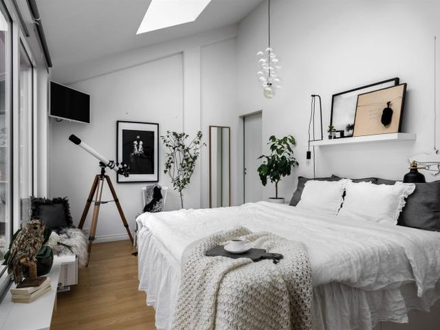 1000 ideas about single bedroom on pinterest rooms to - Deco de chambre noir et blanc ...