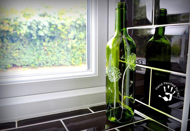 Hand painted bottle ! :) Ręcznie malowana butelka z dmuchawcami :) #handpainted #handmade #bottle #green #dmuchawce #butelka #painting #diy