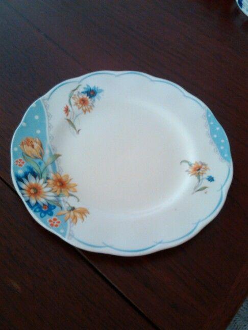 Creampetal Grindley plate.