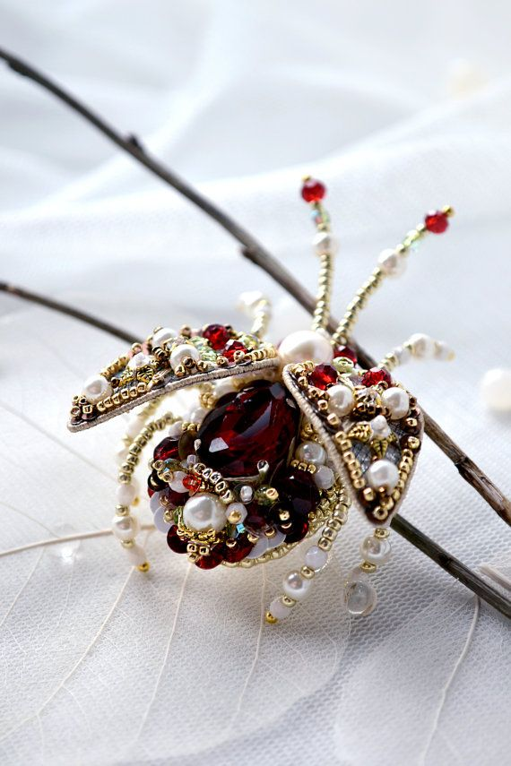 ¸.·*Magnificent Beetle brooch - beautiful gift for beloved wife or bride, gift for mom, gift for daughter, gift for sister, gift for aunt, gift