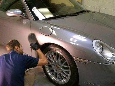 Ritocco vernice auto: come ritoccare la carrozzeria della macchina?