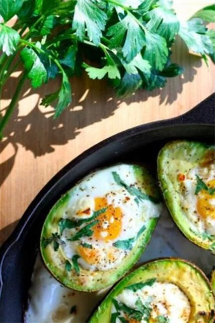 The yummy breakfast that's high in protein!Winter Breakfast, Yummy Breakfast, Baked Avocado, Healthy Breakfast, Avocado Egg, Ultimate Healthy, Baking Eggs, Healthy Winter, Avocado Breakfast