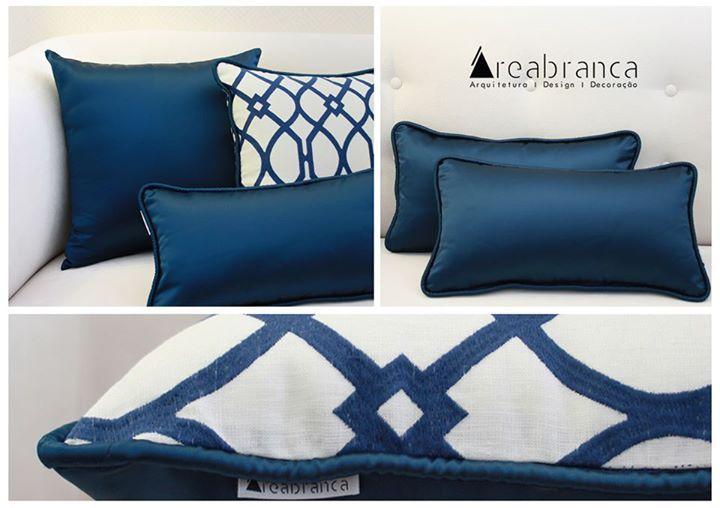 Almofada 45x45cm azul escura cetim - 25,20**  *Se preferir que enviemos por correio, + portes de envio