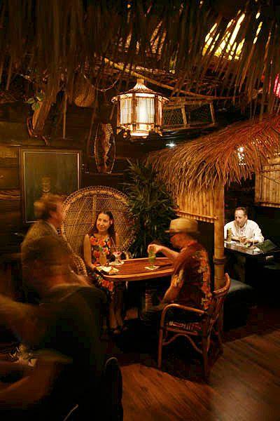 Island Paradise Club Lounge Alameda