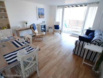 2 bedroom home in Rye to rent from £390 pw. With balcony/terrace, TV and DVD.