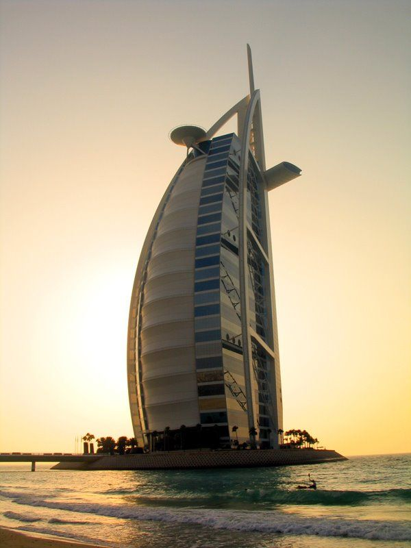 Burj al-Arab hotel in Dubai  The world's largest hotel!  (7 stars)