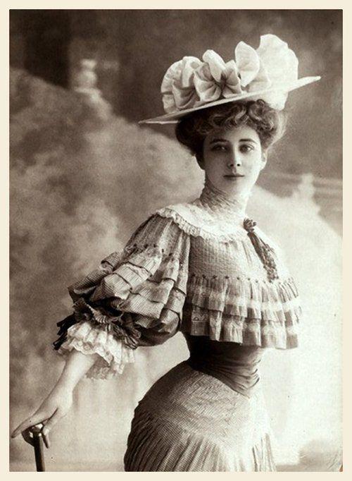 edwardianpromenade: — Mademoiselle Harlay (late 1900s) via Tumblr