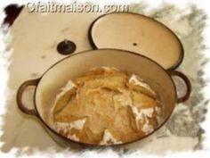 Miche cuite dans une cocotte en fonte