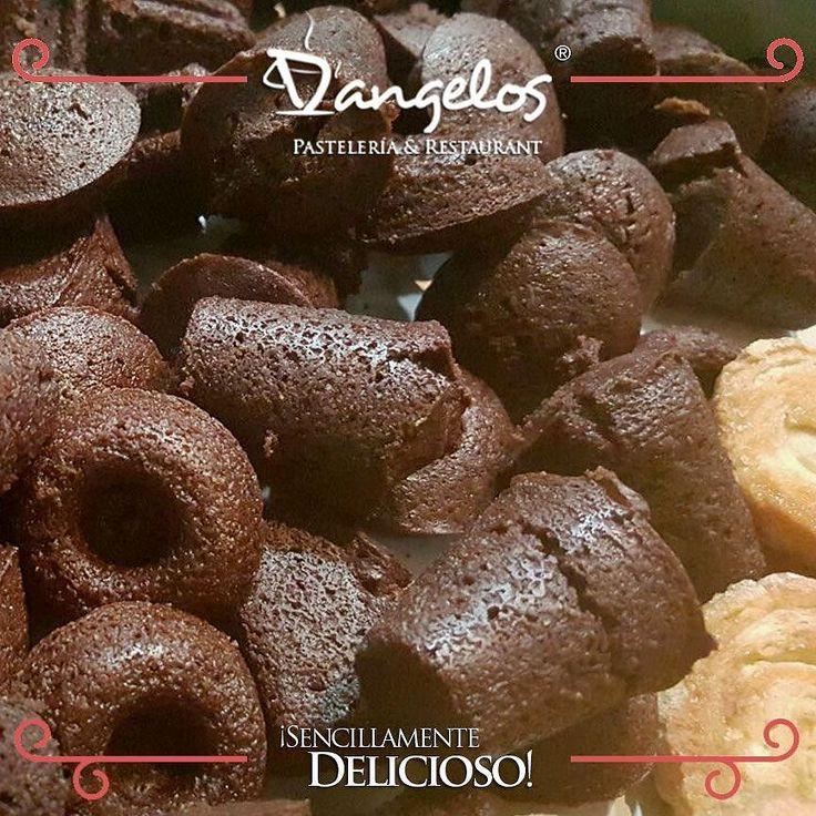 No sabes como llegar a su corazón? Con un dulce  de#chocolate es más fácil hacerlo http://dangeloscafe.com #SencillamenteDelicioso